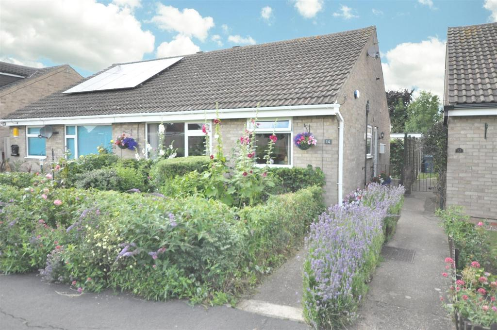 2 Bedrooms Semi Detached Bungalow for sale in 14 Green Walk, Whatton