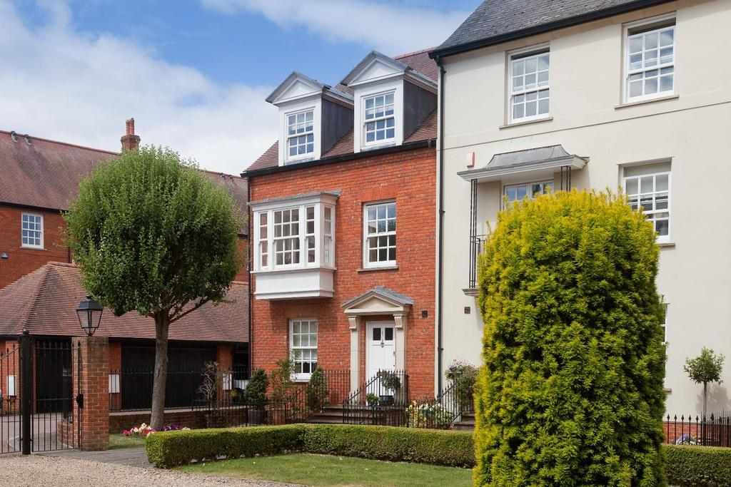 4 Bedrooms End Of Terrace House for sale in Crane Bridge Road, Salisbury
