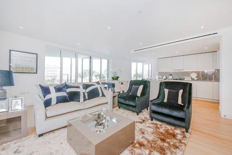2 bedroom apartment to rent - Admiralty House, 150 Vaughan Way, E1W