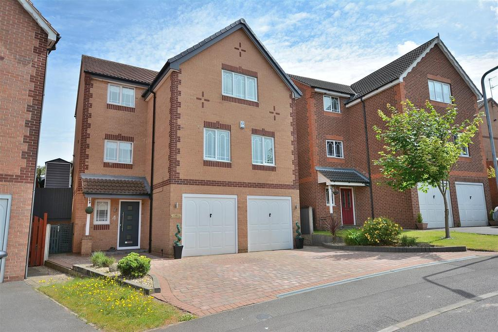 4 Bedrooms Detached House for sale in Hambleton Rise, Forest Town