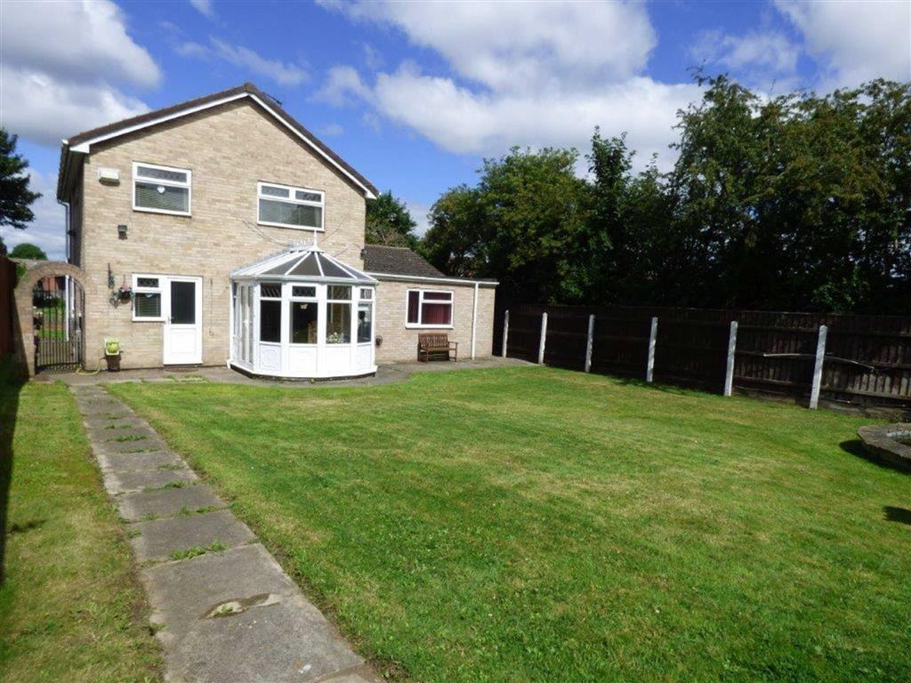 4 Bedrooms Detached House for sale in Dunvegan Road, Hull, East Yorkshire, HU8
