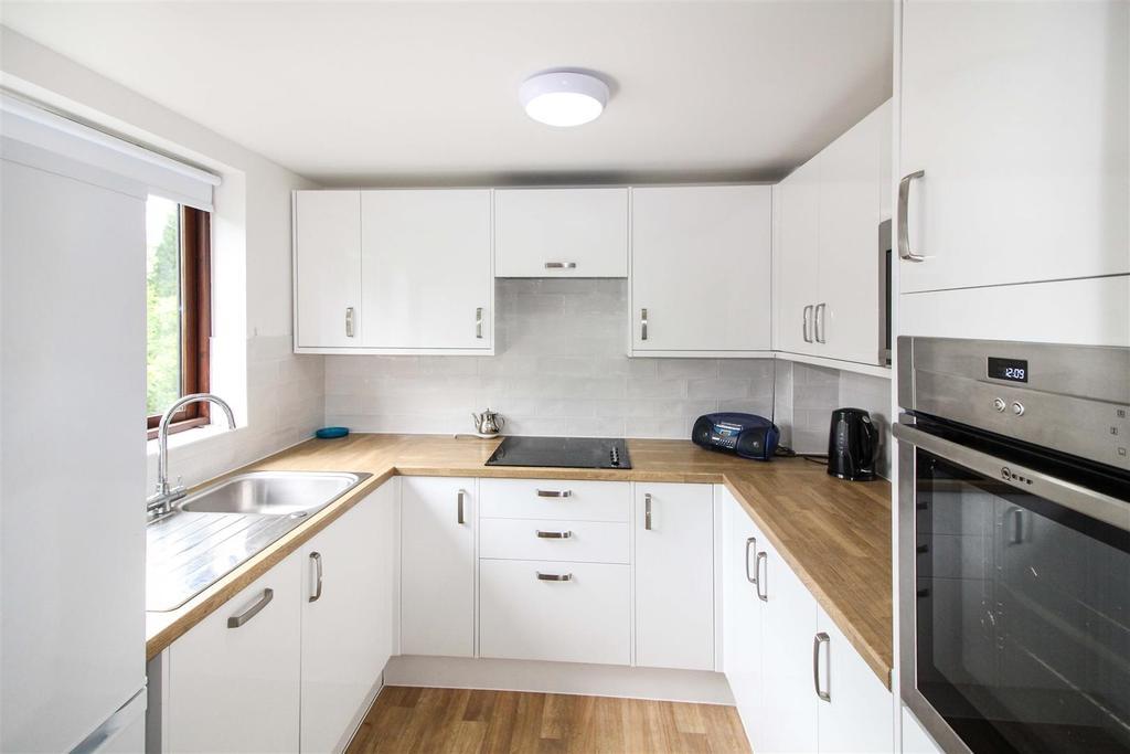 2 Bedrooms Retirement Property for sale in Warwick Road, Kenilworth