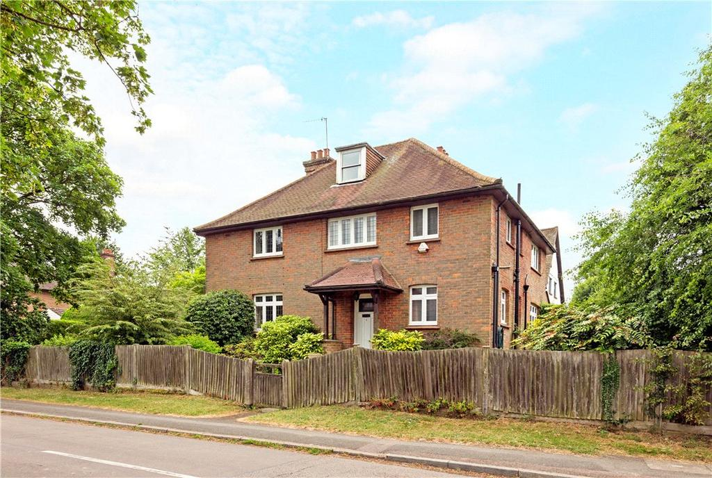 5 Bedrooms Detached House for sale in Anglefield Road, Berkhamsted, Hertfordshire, HP4