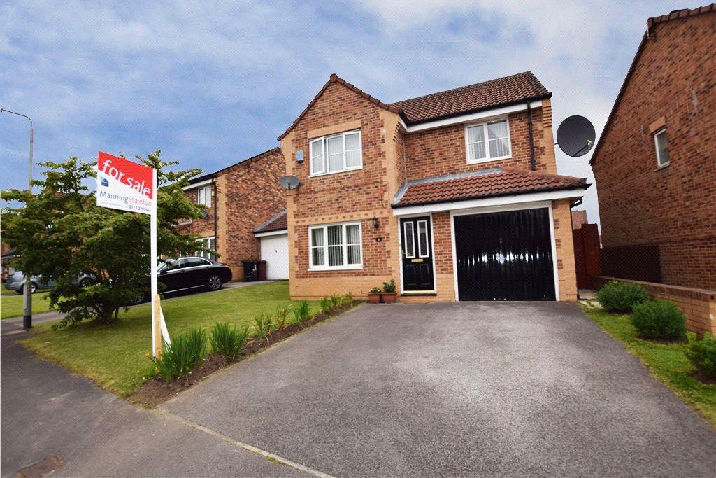 4 Bedrooms Detached House for sale in Greenmoor Avenue, Leeds, West Yorkshire