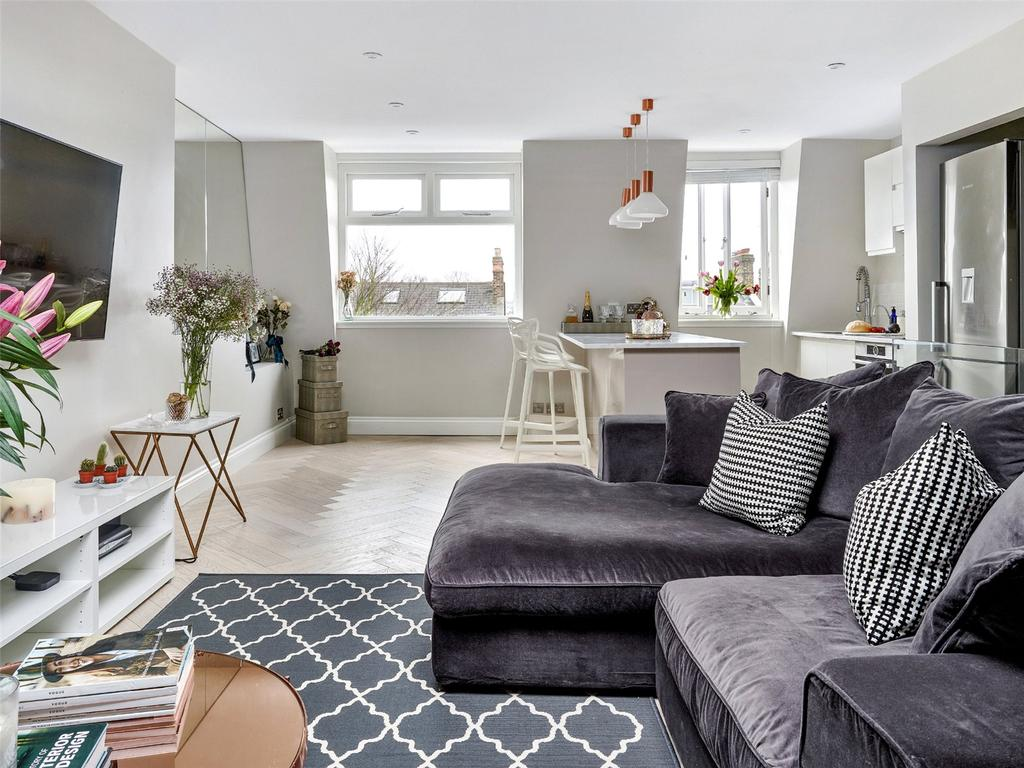 2 Bedrooms Flat for sale in Bassett Road, Notting Hill, London
