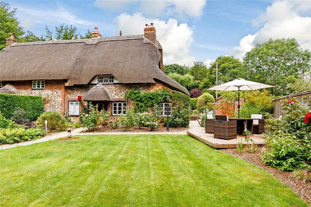 2 Bedrooms House for sale in Water Street, Bulford, Salisbury