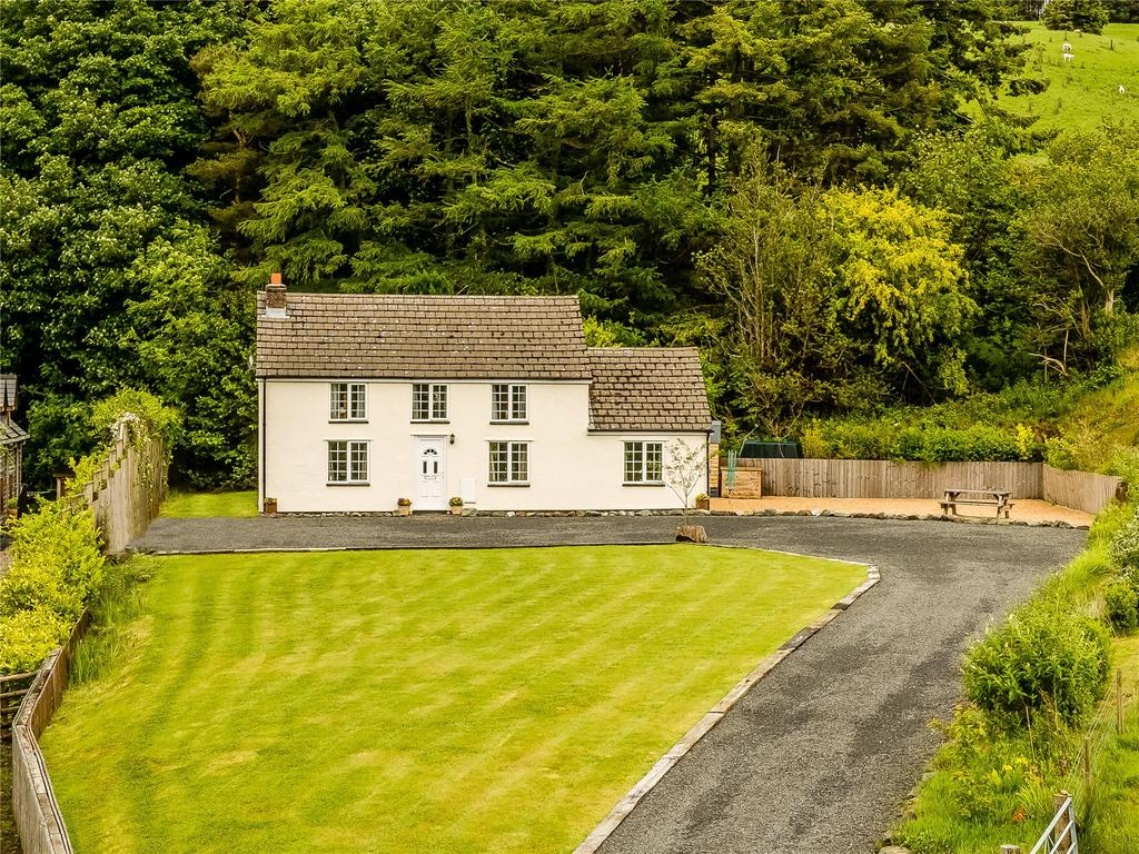 3 Bedrooms Detached House for sale in Van, Llanidloes, Powys