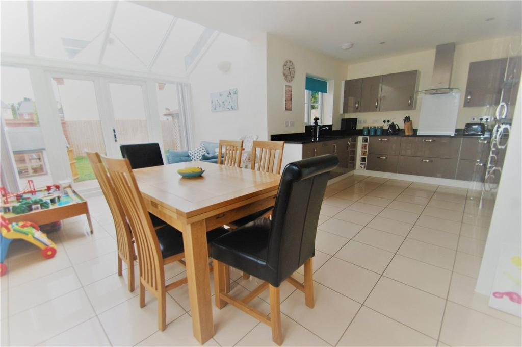 5 Bedrooms Detached House for sale in Barberry Drive, Wilstock Village, North Petherton, Somerset, TA5