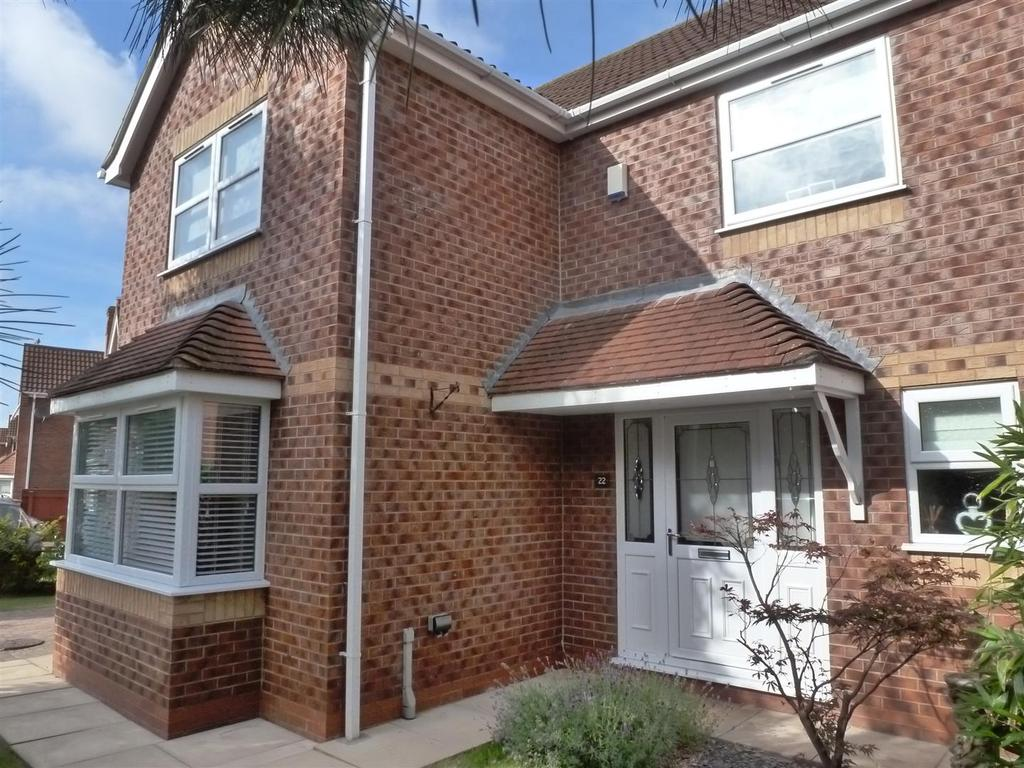 4 Bedrooms Detached House for sale in Garrick Lane, New Waltham, Grimsby