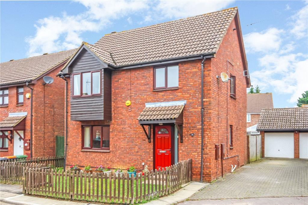 4 Bedrooms Detached House for sale in Holly Farm Close, Caddington, Luton, Bedfordshire