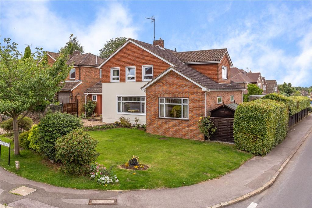 4 Bedrooms Detached House for sale in Wood End Hill, Harpenden, Hertfordshire