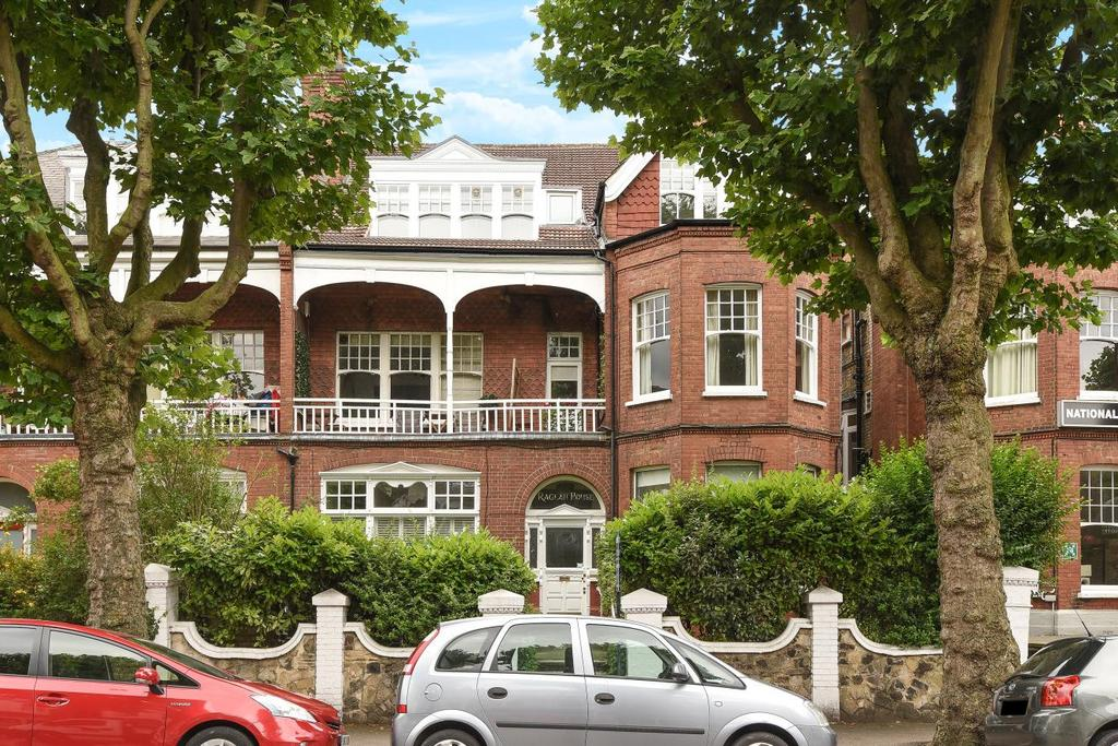 3 Bedrooms Flat for sale in Queens Avenue, Muswell Hill