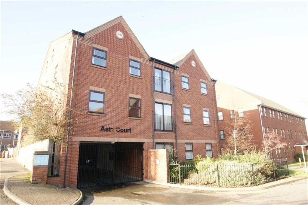 2 Bedrooms Apartment Flat for sale in Asta Court, Town Centre, Rugby