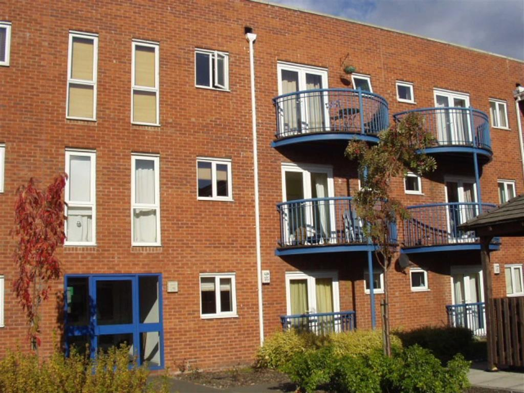 2 Bedrooms Apartment Flat for rent in Stretford Road, Hulme, Manchester, M15