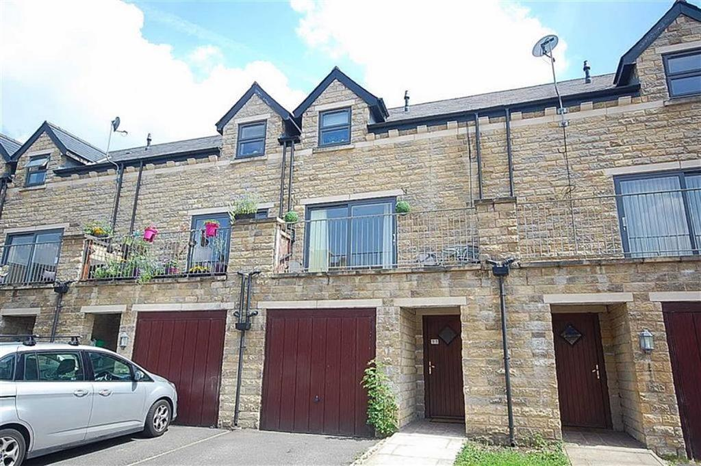 4 Bedrooms Town House for sale in Hebble View, Siddal, Halifax, HX3