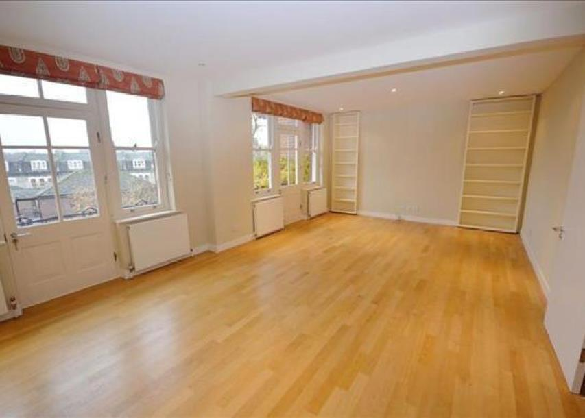 3 Bedrooms Apartment Flat for sale in Ashburnham Road, London