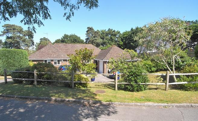 5 Bedrooms Detached Bungalow for sale in Kithurst Lane, Storrington RH20
