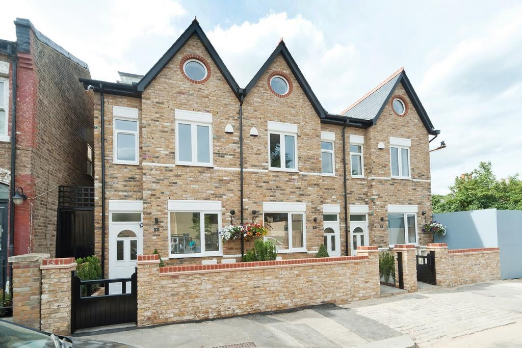 3 Bedrooms House for sale in Park Place, Stuart Road, Nunhead, SE15