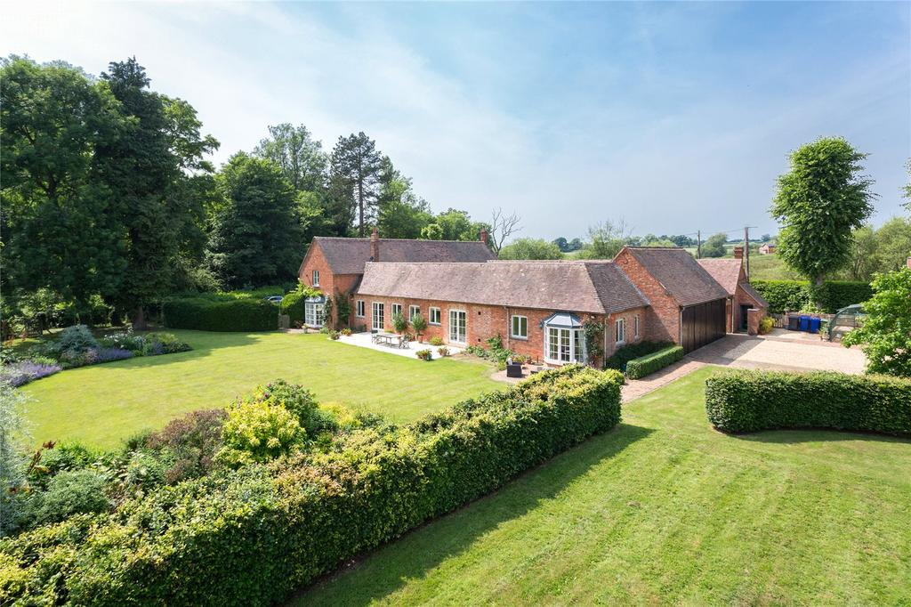 5 Bedrooms Detached House for sale in Duncote, Towcester, Northamptonshire, NN12