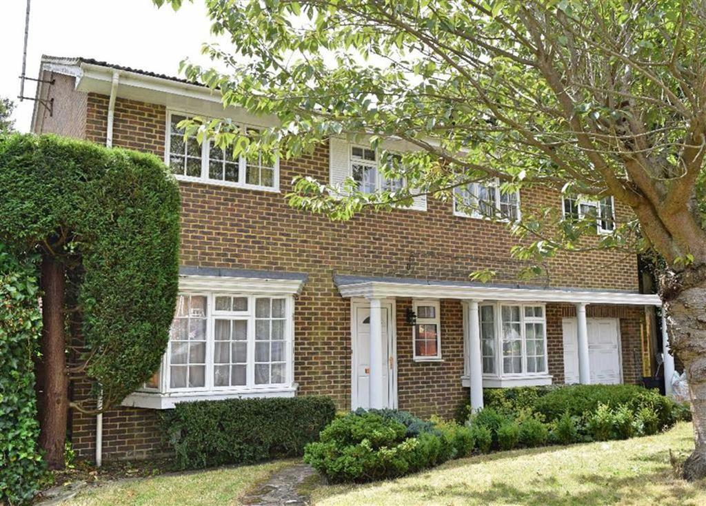 5 Bedrooms Detached House for sale in The Dene, Sevenoaks, TN13