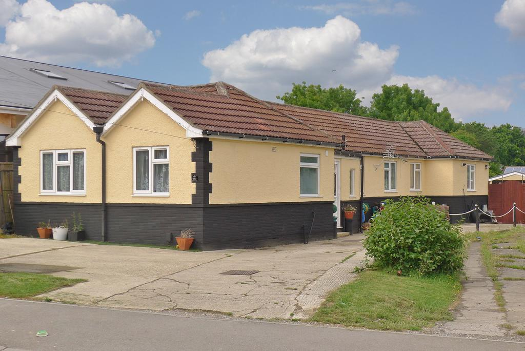 4 Bedrooms Detached Bungalow for sale in FAREHAM