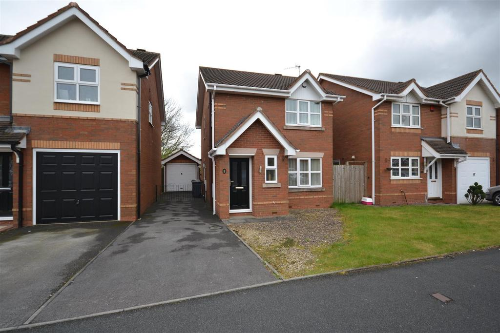3 Bedrooms Detached House for sale in Old Hall Drive, Bradwell, Newcastle