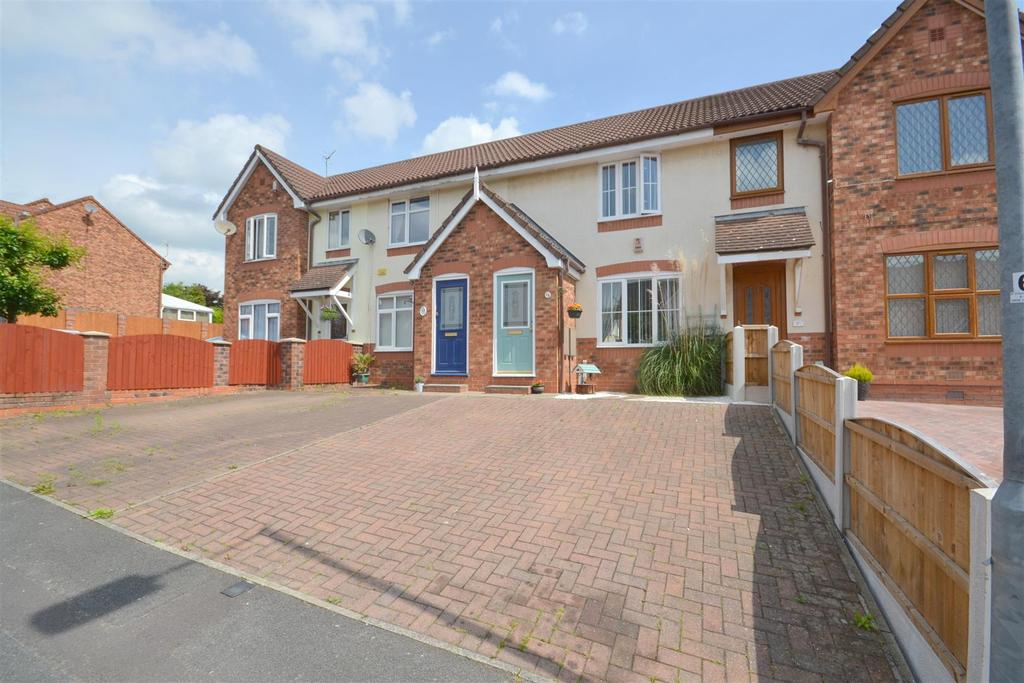 2 Bedrooms Town House for sale in Batkin Close, Chell Heath, Stoke-On-Trent