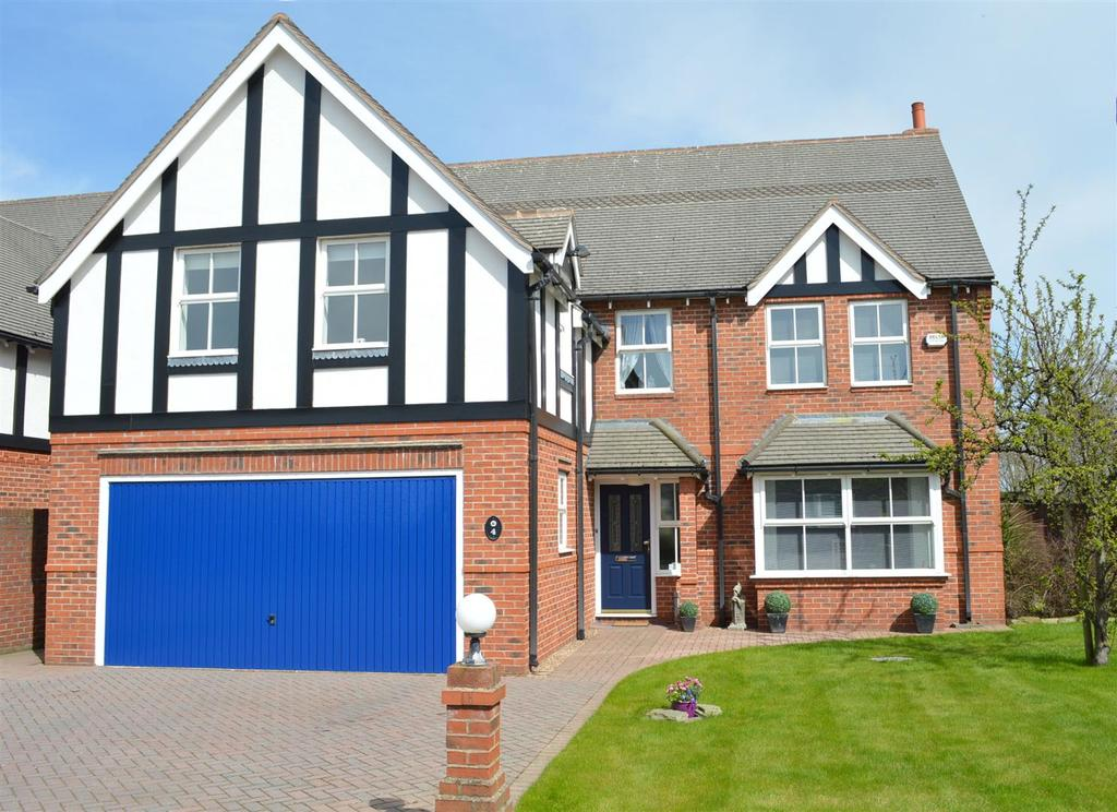 5 Bedrooms Detached House for sale in Smallwood Forge, Newcastle Road, Smallwood