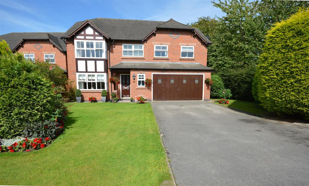 5 Bedrooms Detached House for sale in Hollyfields, Winterley