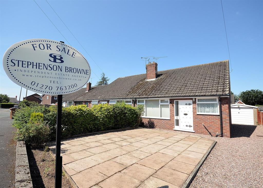 3 Bedrooms Semi Detached Bungalow for sale in Beech Grove, Sandbach