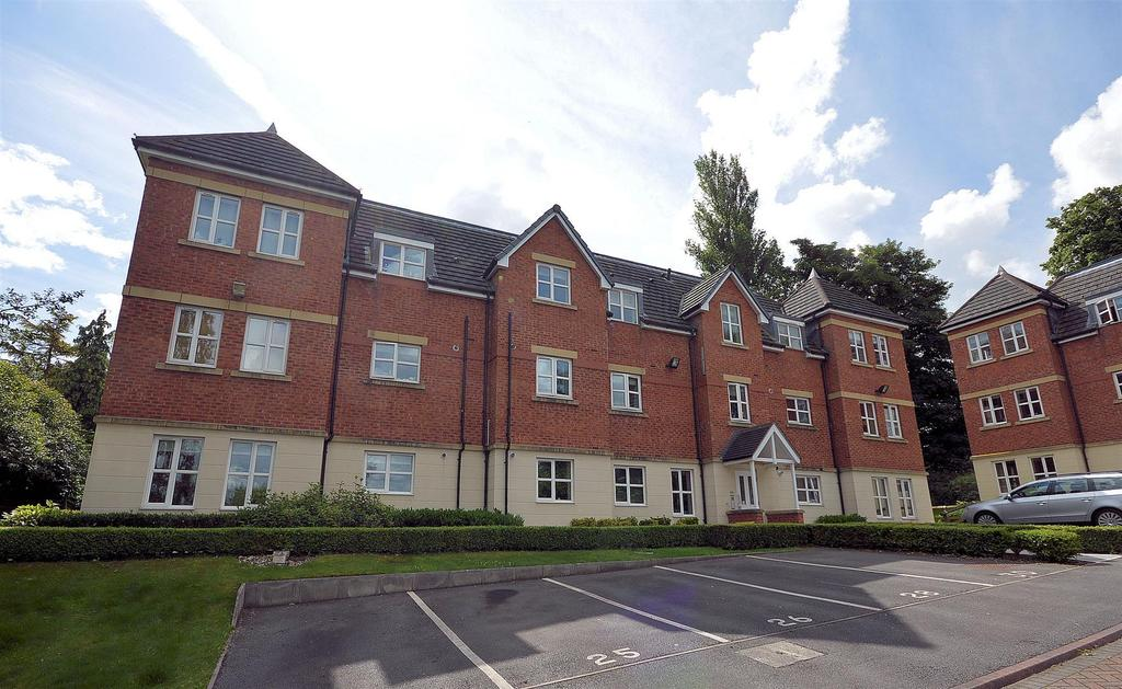 2 Bedrooms Apartment Flat for sale in Summer Drive, Sandbach