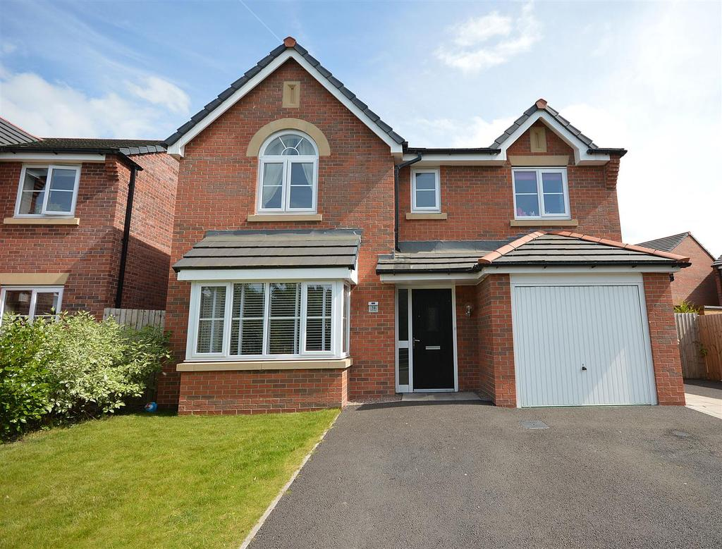 4 Bedrooms Detached House for sale in Heron Way, Elworth