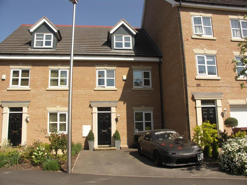 3 Bedrooms Town House for sale in Malt Kiln Way, Sandbach