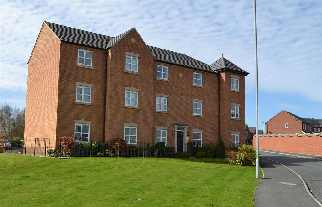 2 Bedrooms Apartment Flat for sale in Spring House, Mill Pool Way, Sandbach