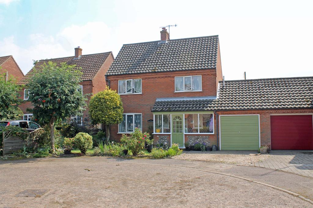 3 Bedrooms Detached House for sale in Church Farm Close, Weybourne NR25