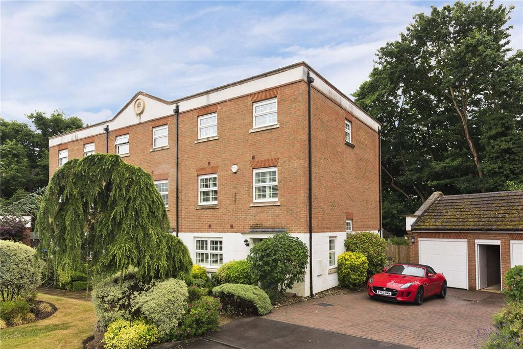 4 Bedrooms End Of Terrace House for sale in Thorne Close, Claygate, Esher, Surrey, KT10