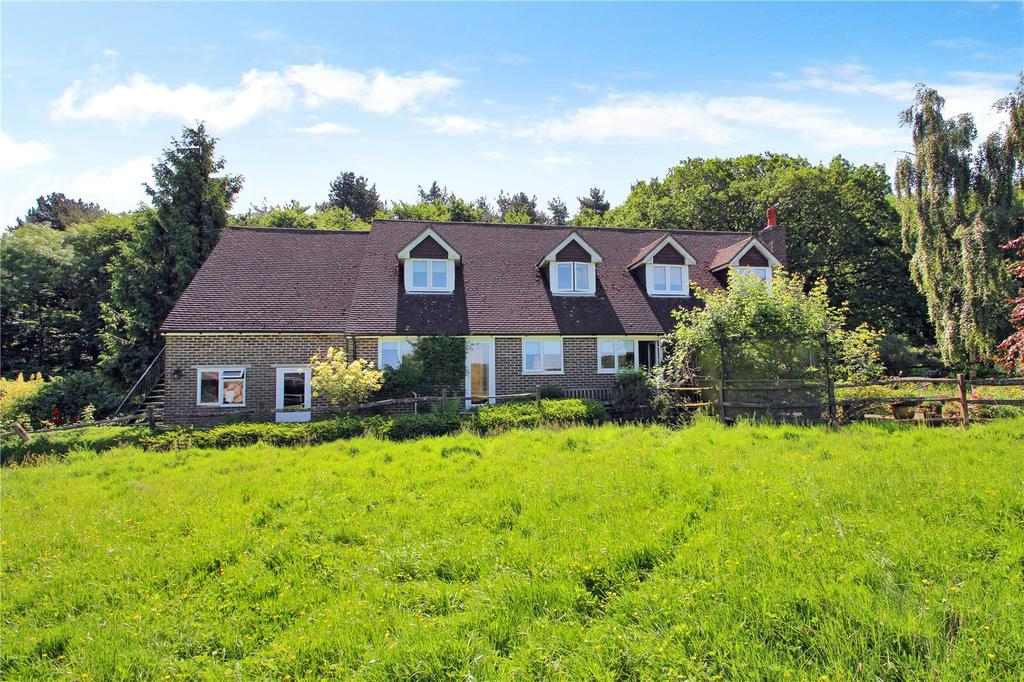 4 Bedrooms Detached House for sale in Vowels Lane, East Grinstead, West Sussex, RH19