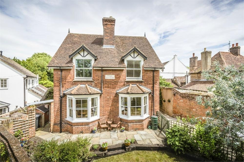 4 Bedrooms Detached House for sale in Bells Hill, BISHOP'S STORTFORD, Hertfordshire