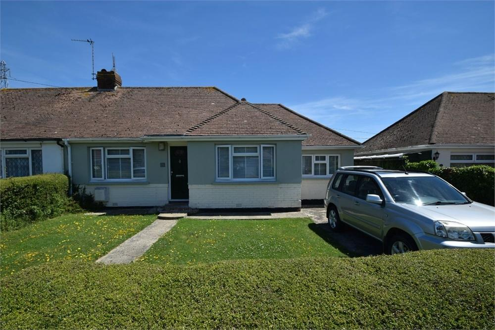 3 Bedrooms Semi Detached Bungalow for sale in West Close, Polegate, East Sussex
