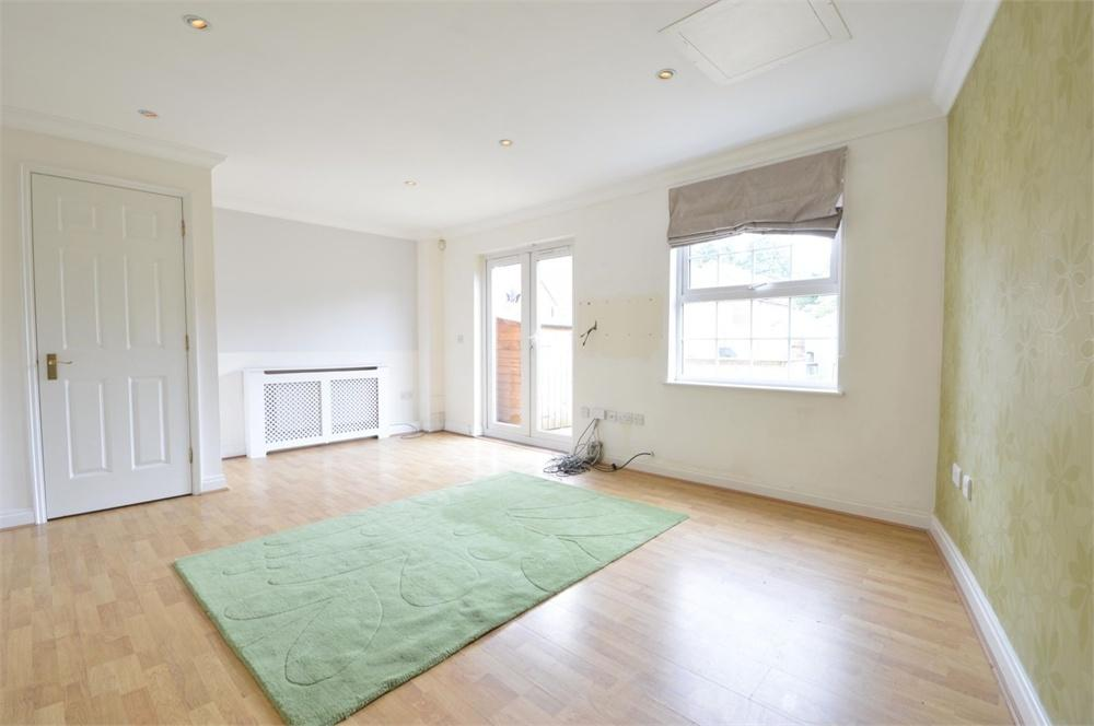4 Bedrooms Terraced House for sale in Abbey Drive, Bexley Park