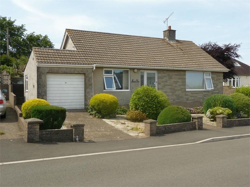 2 Bedrooms Detached Bungalow for sale in Maesllan, 21 Penbanc, Fishguard, Pembrokeshire