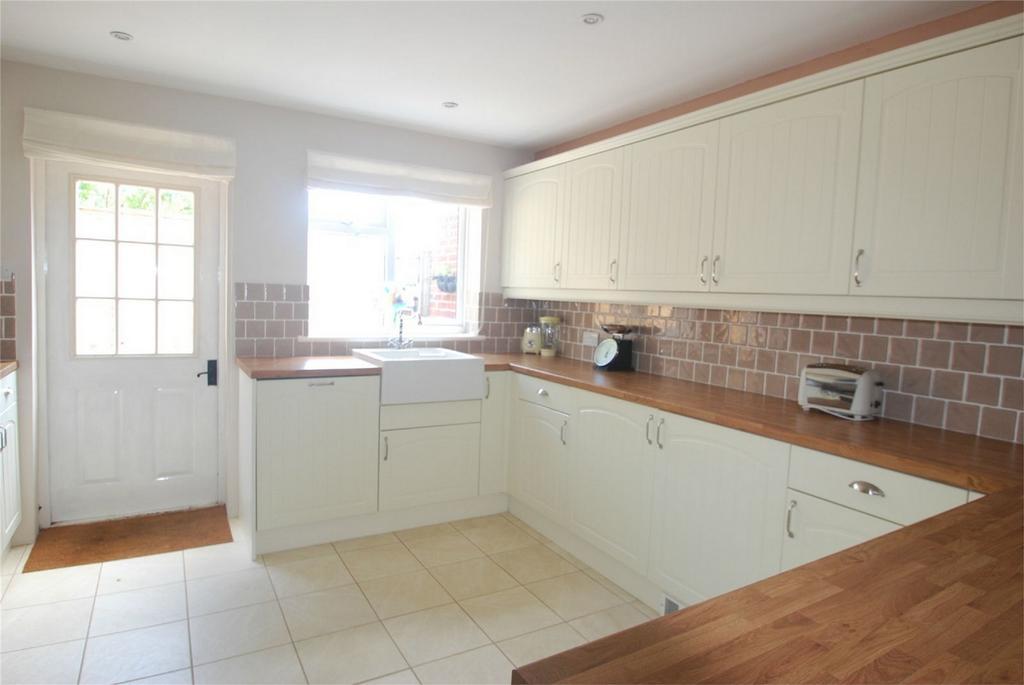 3 Bedrooms Terraced House for sale in Lenham Heath
