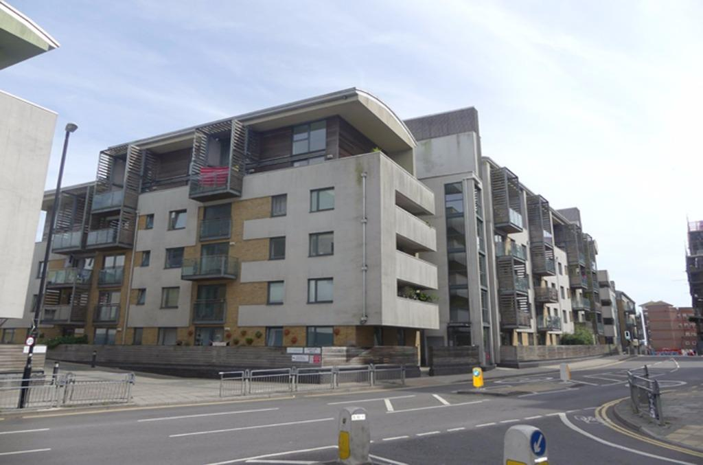 3 Bedrooms Flat for sale in Fleet Street Brighton East Sussex BN1