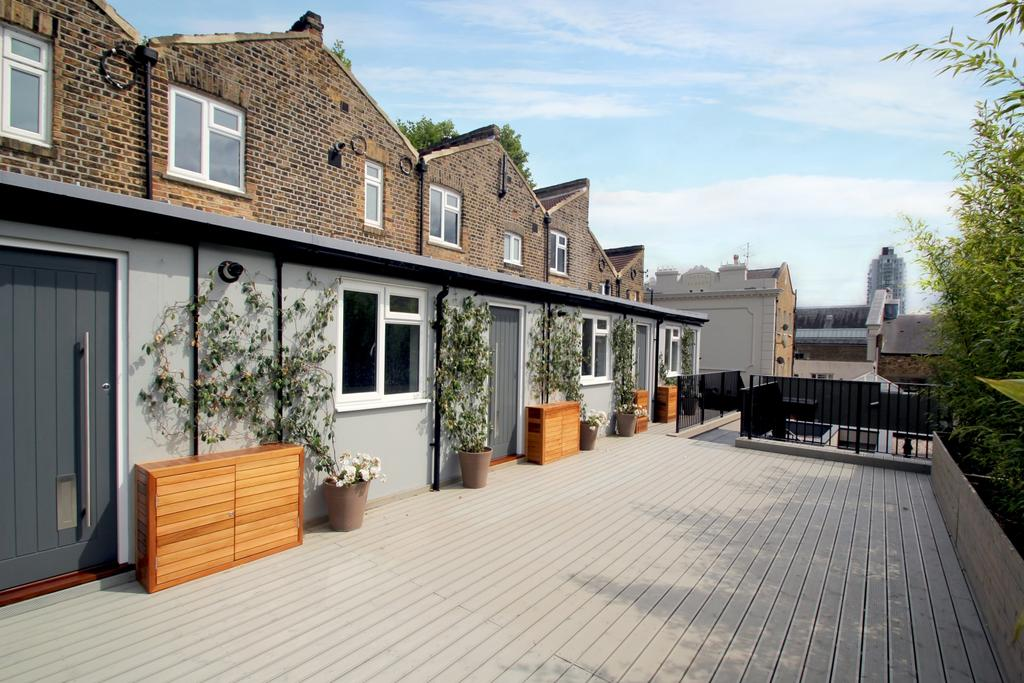 1 Bedroom Flat for sale in New Cross Road London SE14
