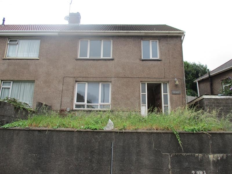 3 Bedrooms Semi Detached House for sale in Dyffryn Road, Port Talbot, Neath Port Talbot.