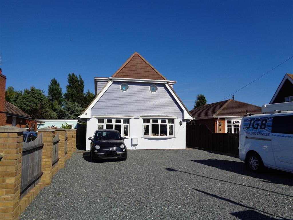 5 Bedrooms Detached House for sale in Lion Road, Nyetimber