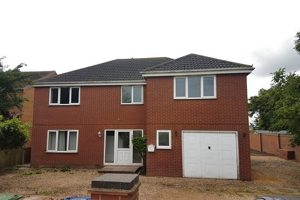 4 Bedrooms Detached House for sale in March Road, Turves, Peterborough, PE7