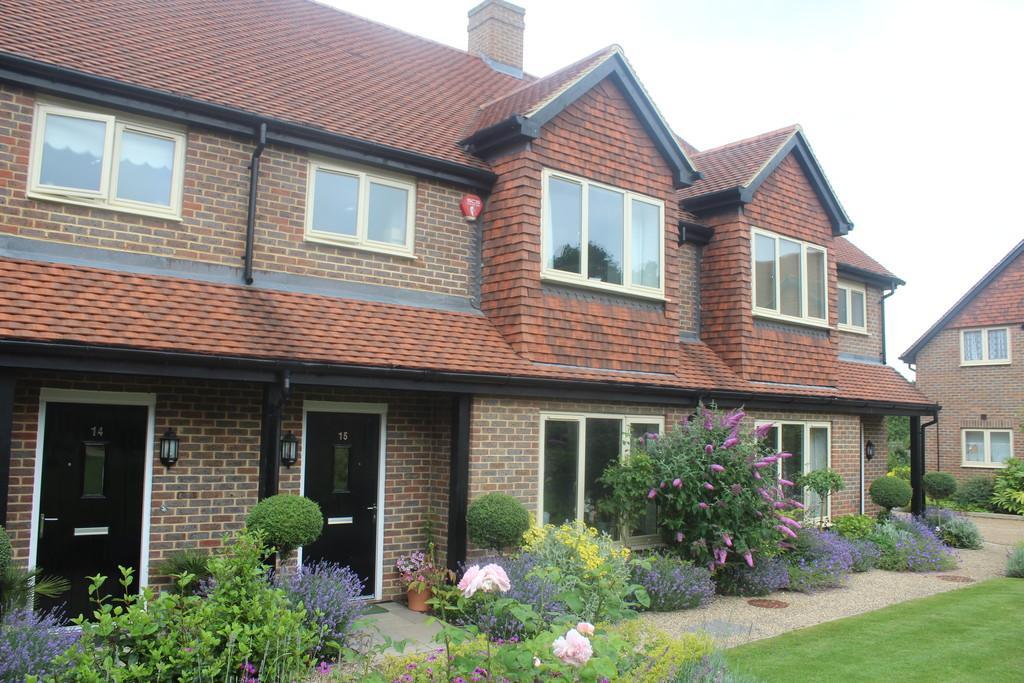 2 Bedrooms Terraced House for sale in Storrington