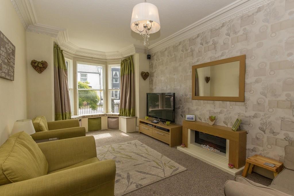 4 Bedrooms Terraced House for sale in Market Street, Dalton-In-Furness