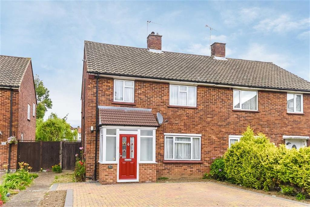 3 Bedrooms Semi Detached House for sale in Field End Road, Ruislip, Middlesex